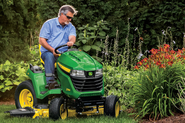 JD-LawnTractors-2019.jpg