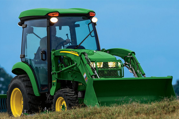 JohnDeere-model3039R-2019.jpg