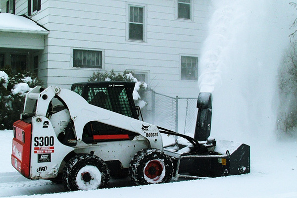 Loftness-Snowblowers-2019.jpg